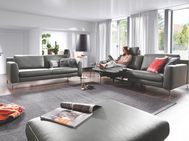 <p><strong>Ledersofa</strong><br />
